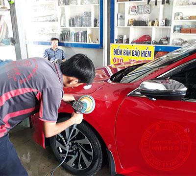 dịch vụ đánh bóng xe ô tô