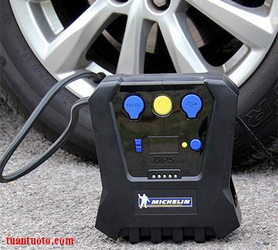 bơm hơi lốp xe ô tô bao nhiêu kg