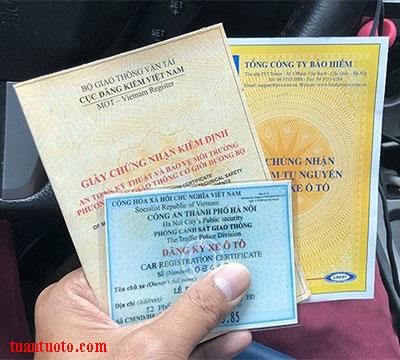 giấy tờ của xe cho mướn tự lái