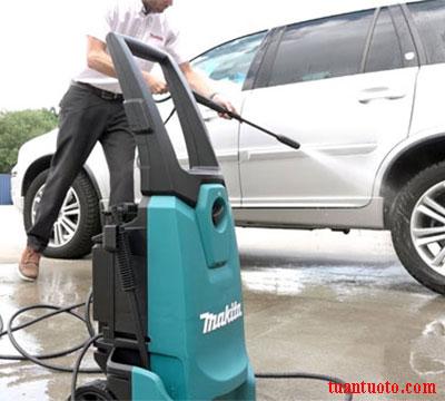 máy rửa xe gia đình makita