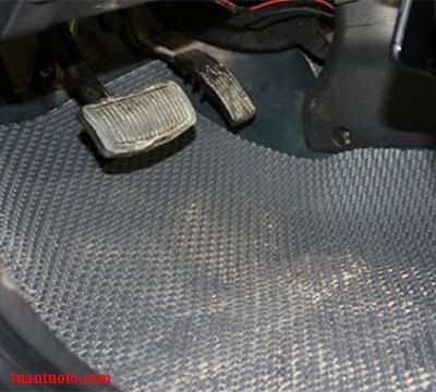 cuộn thảm lót sàn ô tô bằng cao su loại I