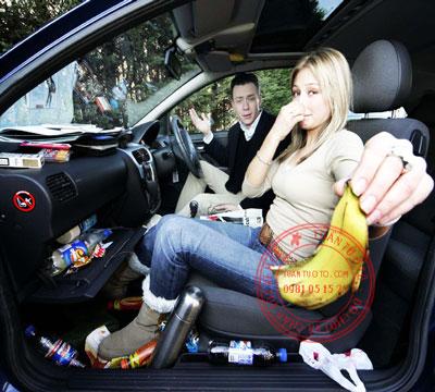 cách khử mùi trong xe ô tô
