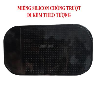 silicon-chống-trượt-trên-taplo-ô-tô