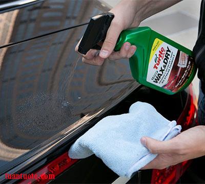 dung dịch dưỡng lốp xe ô tô