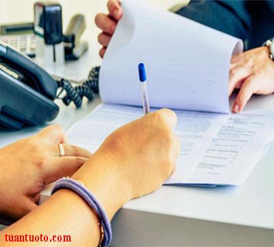 hợp đồng cho thuê xe tự lái